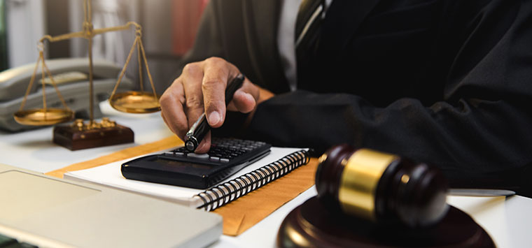 Personal injury lawyer fee percentage averages